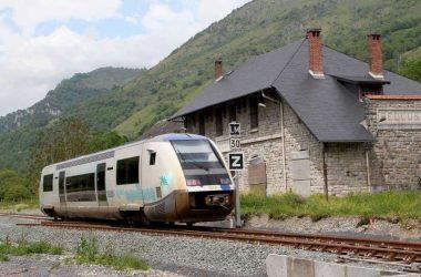 un-train-en-gare-de-bedous-une-premiere-depuis-plus-de-trente-ans